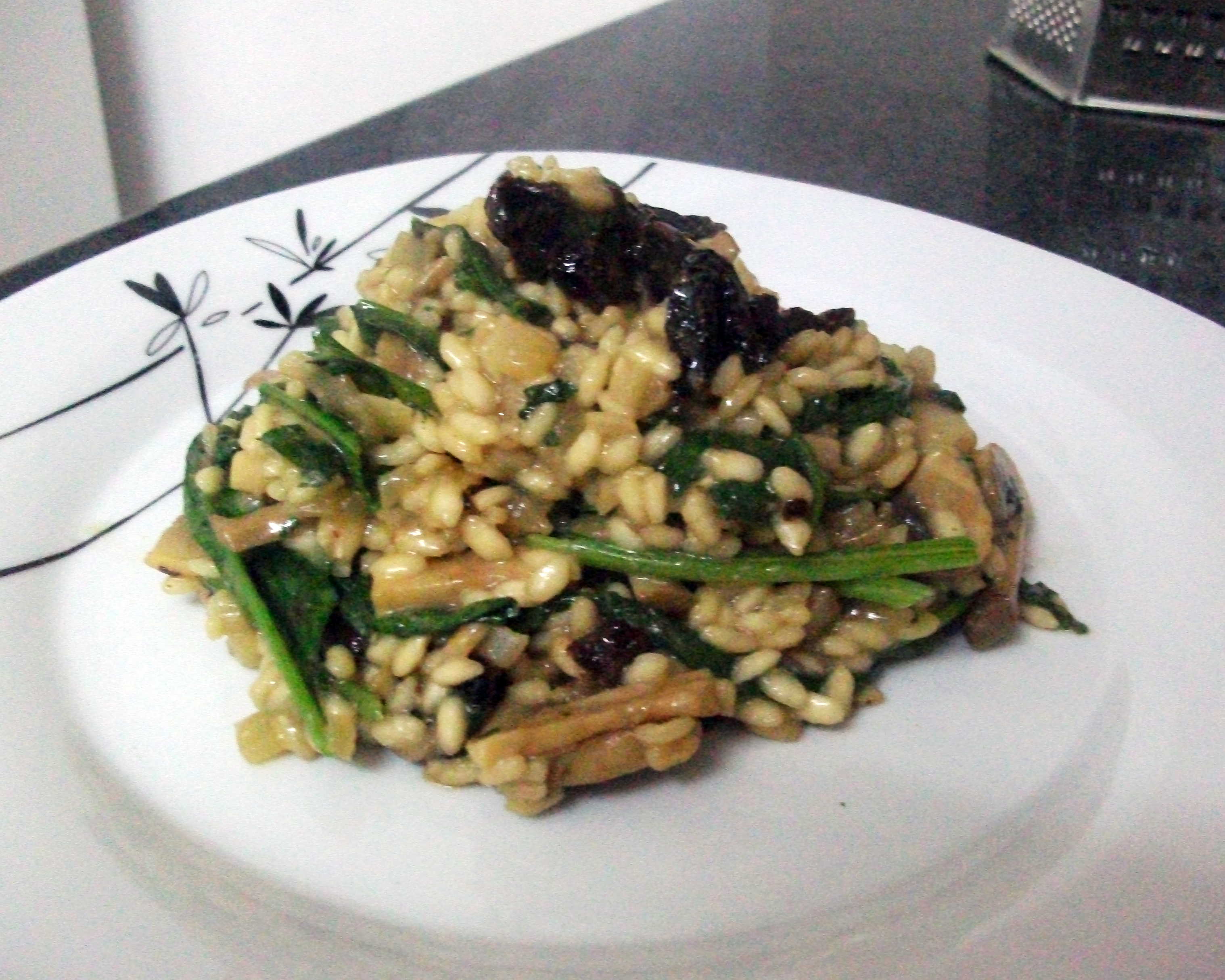 ... made easy with this Mushroom, Spinach and Sun-Dried Tomato Risotto