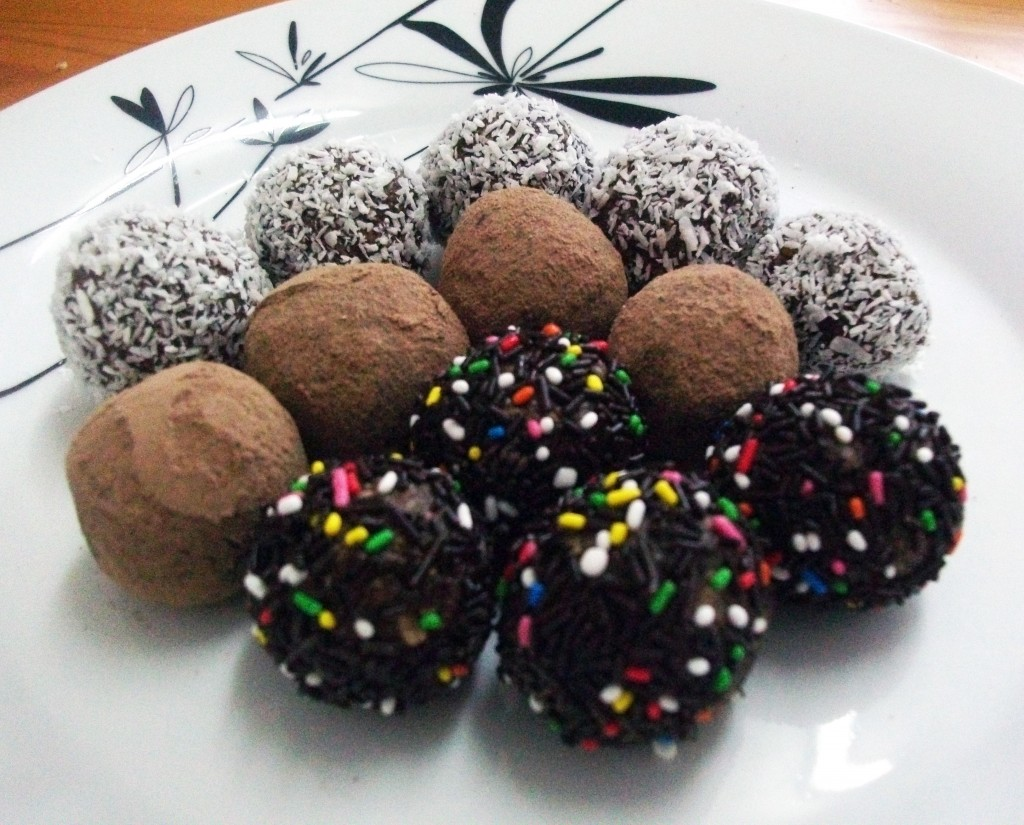 Raw Vegan Chocolate Orange Truffles a healthy treat that's great for ...