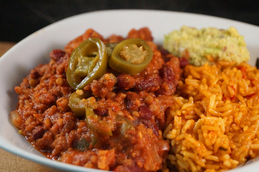 BBQ Lentil Chilli with Guacamole and Mexican Rice (vegan & gluten free ...